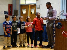 Rashad Jennings Speaking with Kids
